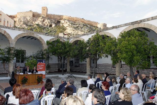 Memoria de actividades de amigos de la alcazaba 2014 el - Hotel los patios almeria ...